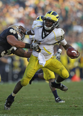 Denard Robinson once again leads the Heisman poll