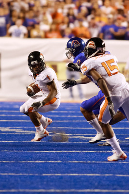 BOISE, ID - SEPTEMBER 25:  Running back Jacquizz Rodgers #1 of the Oregon State Beavers runs the ball against the Boise State Broncos at Bronco Stadium on September 25, 2010 in Boise, Idaho.  (Photo by Otto Kitsinger III/Getty Images)