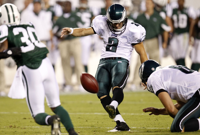 PHILADELPHIA - SEPTEMBER 02: David Akers #2 of the Philadelphia Eagles kicks against the New York Jets at Lincoln Financial Field on September 2, 2010 in Philadelphia, Pennsylvania. (Photo by Jeff Zelevansky/Getty Images)