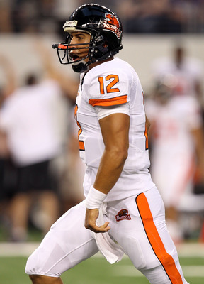 ARLINGTON, TX - SEPTEMBER 04:  Quarterback Ryan Katz #12 of the Oregon State Beavers celebrates a touchdown against the TCU Horned Frogs in the second quarter at Cowboys Stadium on September 4, 2010 in Arlington, Texas.  (Photo by Ronald Martinez/Getty Im