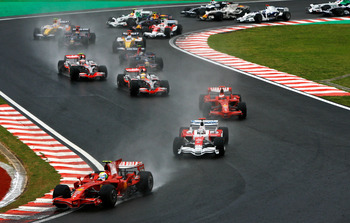Felipe Massa leads the world championship decider, Brazil 2008