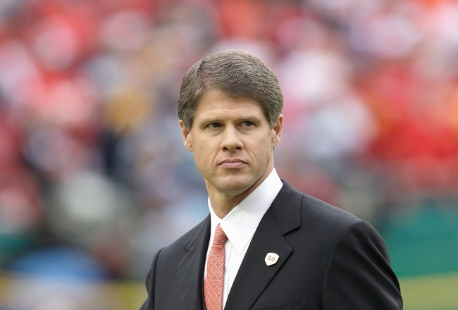 KANSAS CITY, MO - OCTOBER 25:  Board Chairman Clark Hunt of the Kansas City Chiefs walks on the field before the game against the San Diego Chargers on October 25, 2009 at Arrowhead Stadium in Kansas City, Missouri. (Photo by Jamie Squire/Getty Images)