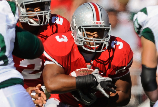 COLUMBUS, OH - SEPTEMBER 25:  Brandon Saine #3 of the Ohio State Buckeyes runs with the ball against the Eastern Michigan Eagles at Ohio Stadium on September 25, 2010 in Columbus, Ohio.  Ohio State won 73-20. (Photo by Jamie Sabau/Getty Images)