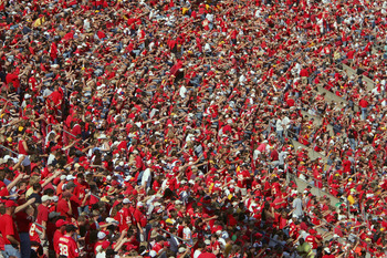 KANSAS CITY, MO - OCTOBER 1:  Fans watch the Kansas City Chiefs game against the San Francisco 49ers at Arrowhead Stadium on October 1, 2006 in Kansas City, Missouri. The Chiefs defeated the Niners 41-0.  (Photo by Doug Pensinger/Getty Images)
