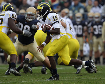 SOUTH BEND, IN - SEPTEMBER 11: Denard Robinson #16 of the Michigan Wolverines runs against the Notre Dame Fighting Irish at Notre Dame Stadium on September 11, 2010 in South Bend, Indiana. Michigan defeated Notre Dame 28-24. (Photo by Jonathan Daniel/Gett