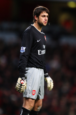 LONDON - JANUARY 03: Goalkeeper Lukasz Fabianski of Arsenal during the the FA Cup Sponsored by E.on Third Round match between Arsenal and Plymouth Argyle at Emirates Stadium on January 3, 2009 in London, England.  (Photo by Mark Thompson/Getty Images)