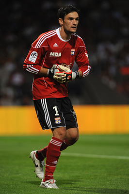 LYON, FRANCE - AUGUST 07:  Hugo Lloris of Olympique Lyonnais in action during the Ligue 1 match between Olympique Lyonnais and AS Monaco FC at Gerland Stadium on August 7, 2010 in Lyon, France.  (Photo by Valerio Pennicino/Getty Images)