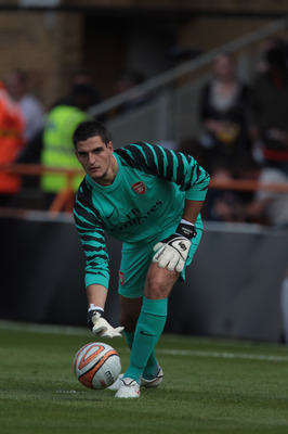 LONDON, ENGLAND - JULY 17: Vito Mannone of Arsenal in action during the pre-season friendly match between Barnet and Arsenal at Underhill on July 17, 2010 in London, England. (Photo by Phil Cole/Getty Images)