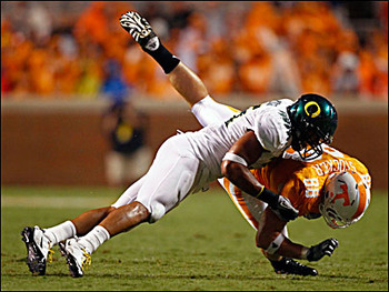 100911tackle_uo_tenn_display_image