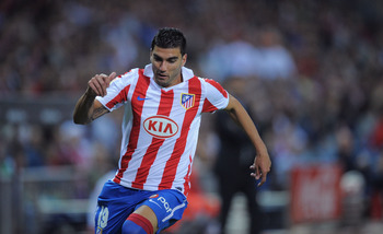 MADRID, SPAIN - SEPTEMBER 26:  Jose Antonio Reyes of Atletico Madrid in action during the La Liga match between Atletico Madrid and Real Zaragoza at the Vicente Calderon stadium on September 26, 2010 in Madrid, Spain.  (Photo by Denis Doyle/Getty Images)