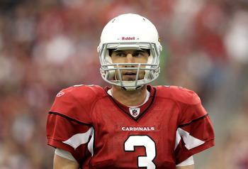 GLENDALE, AZ - SEPTEMBER 26:  Quarterback Derek Anderson #3 of the Arizona Cardinals looks to the sidelines during the NFL game against the Oakland Raiders at the University of Phoenix Stadium on September 26, 2010 in Glendale, Arizona.  The Cardinals def