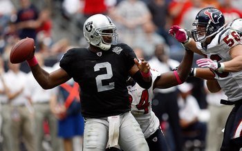 HOUSTON - OCTOBER 04:  Quarterback JaMarcus Russell #2 of the Oakland Raiders at Reliant Stadium on October 4, 2009 in Houston, Texas.  (Photo by Ronald Martinez/Getty Images)