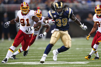 ST. LOUIS - SEPTEMBER 26: Steven Jackson #39 of the St. Louis Rams rushes against the Washington Redskins at the Edward Jones Dome on September 26, 2010 in St. Louis, Missouri.  The Rams beat the Redskins 30-16.  (Photo by Dilip Vishwanat/Getty Images)