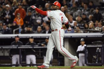 NEW YORK - NOVEMBER 04:  Ryan Howard #6 of the Philadelphia Phillies bats against the New York Yankees in Game Six of the 2009 MLB World Series at Yankee Stadium on November 4, 2009 in the Bronx borough of New York City. The Yankees won 7-3. (Photo by Nic
