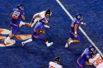 BOISE, ID - SEPTEMBER 25:  Wide receiver Titus Young #1 of the Boise State Broncos runs the ball against the Oregon State Beavers at Bronco Stadium on September 25, 2010 in Boise, Idaho.  (Photo by Otto Kitsinger III/Getty Images)