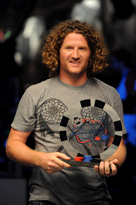 LAS VEGAS - JUNE 17:  (L-R)  Philadelphia Flyers wing Scott Hartnell poses with the trophy after winning the NHL Charity Shootout at the World Series of Poker at the Rio Hotel & Casino in Las Vegas, Nevada on June 17, 2009.  (Photo by Harry How/Getty Imag