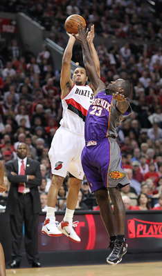 PORTLAND, OR - APRIL 29:  Brandon Roy #7 of the Portland Trail Blazers shoots against Jason Richardson #23 of the Phoenix Suns during Game Six of the Western Conference Quarterfinals of the NBA Playoffs on April 29, 2010 at the Rose Garden in Portland, Or