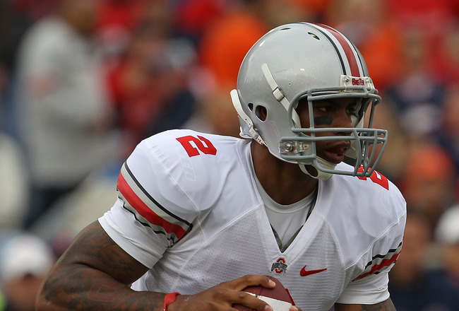 CHAMPAIGN, IL - OCTOBER 02: Terrelle Pryor #2 of the Ohio State Buckeyes runs for yardage against the Illinois Fighting Illini at Memorial Stadium on October 2, 2010 in Champaign, Illinois. Ohio State defeated Illinois 24-13. (Photo by Jonathan Daniel/Get