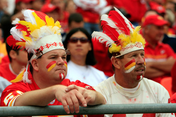 KANSAS CITY, MO - SEPTEMBER 14:  Kansas City Chiefs fans watch as the final minutes tick off the clock in the Chiefs 23-8 loss to the Oakland Raiders on September 14, 2008 at Arrowhead Stadium in Kansas City, Missouri.  (Photo by Jamie Squire/Getty Images