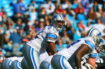 CHARLOTTE, NC - NOVEMBER 16:  Quarterback Daunte Culpepper #11 of the Detroit Lions lines up behind center during their NFL game against the Carolina Panthers at Bank of America Stadium on November 16, 2008  in Charlotte, North Carolina. The Panthers defe