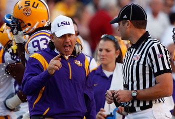 BATON ROUGE, LA - NOVEMBER 08:  Head coach Les Miles of the Louisiana State University Tigers argues a call with a referee during the game against the Alabama Crimson Tide on November 11, 2008 at Tiger Stadium in Baton Rouge, Louisiana.  (Photo by Chris G