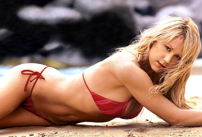 Anna_kournikova_sexy-normal_crop_650x440