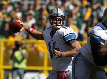 GREEN BAY, WI - OCTOBER 03: Shaun Hill #14 of the Detroit Lions throws a pass against the Green Bay Packers at Lambeau Field on October 3, 2010 in Green Bay, Wisconsin. (Photo by Jonathan Daniel/Getty Images)