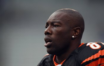 CHARLOTTE, NC - SEPTEMBER 26:  Terrell Owens #81 of the Cincinnati Bengals against the Carolina Panthers during their game at Bank of America Stadium on September 26, 2010 in Charlotte, North Carolina.  (Photo by Streeter Lecka/Getty Images)