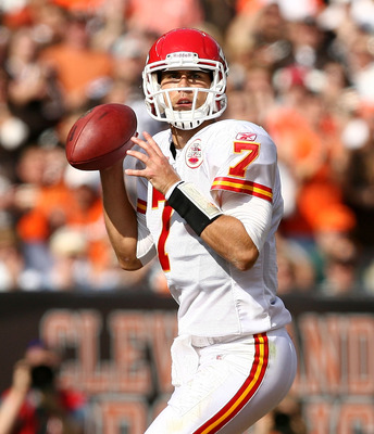 CLEVELAND - SEPTEMBER 19:  Quarterback Matt Cassel #7 of the Kansas City Chiefs looks for a receiver against the Cleveland Browns at Cleveland Browns Stadium on September 19, 2010 in Cleveland, Ohio.  (Photo by Matt Sullivan/Getty Images)