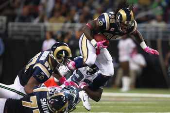 ST. LOUIS - OCTOBER 3: Steven Jackson #39 of the St. Louis Rams rushes against the Seattle Seahawks at the Edward Jones Dome on October 3, 2010 in St. Louis, Missouri.  The Rams beat the Seahawks 20-3.  (Photo by Dilip Vishwanat/Getty Images)