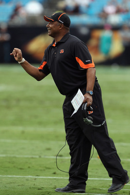CHARLOTTE, NC - SEPTEMBER 26:  Head coach Marvin Lewis of the Cincinnati Bengals yells to his team during their game against the Carolina Panthers at Bank of America Stadium on September 26, 2010 in Charlotte, North Carolina.  (Photo by Streeter Lecka/Get