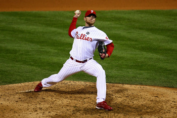 PHILADELPHIA - NOVEMBER 01:  Brad Lidge #54 of the Philadelphia Phillies throws a pitch against the New York Yankees in Game Four of the 2009 MLB World Series at Citizens Bank Park on November 1, 2009 in Philadelphia, Pennsylvania.  (Photo by Chris McGrat
