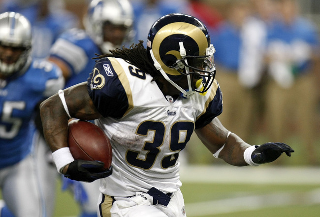 DETROIT , MI - NOVEMBER 01: Steven Jackson #39 of the St. Louis Rams runs for a game winning fourth quarter touchdown while playing the Detroit Lions on November 1, 2009 at Ford Field in Detroit, Michigan. St. Louis won the game 17-10. (Photo by Gregory S