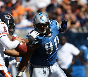 CHICAGO - SEPTEMBER 12: Ndamukong Suh #90 of the Detroit Lions rushes against the Chicago Bears during the NFL season opening game at Soldier Field on September 12, 2010 in Chicago, Illinois. The Bears defeated the Lions 19-14. (Photo by Jonathan Daniel/G