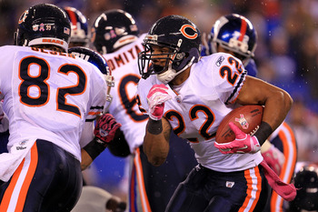 EAST RUTHERFORD, NJ - OCTOBER 03:  Matt Forte 22 of the Chicago Bears runs the ball against the New York Giants at New Meadowlands Stadium on October 3, 2010 in East Rutherford, New Jersey.  (Photo by Chris McGrath/Getty Images)