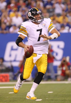 EAST RUTHERFORD, NJ - AUGUST 21:  Ben Roethlisberger #7 of the Pittsburgh Steelers passes against the New York Giants during their preseason game at New Meadowlands Stadium on August 21, 2010 in East Rutherford, New Jersey.  (Photo by Nick Laham/Getty Ima