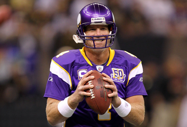 NEW ORLEANS - SEPTEMBER 09:  Quarterback Brett Favre #4 of the Minnesota Vikings smiles as he warms up against the New Orleans Saints at Louisiana Superdome on September 9, 2010 in New Orleans, Louisiana.  (Photo by Ronald Martinez/Getty Images)