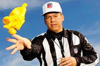 Referee-flag_display_image