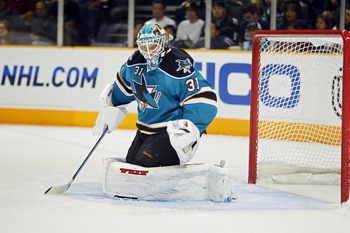 SAN JOSE, CA - SEPTEMBER 25:  Goalie Antti Niemi #31 of the San Jose Sharks guards the goal against the Phoenix Coyotes in a preseason split-squad game at HP Pavilion on September 25, 2010 in San Jose, California.  The Sharks won 3-1.  (Photo by Brian Bah