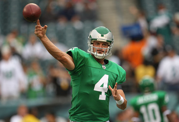 PHILADELPHIA - SEPTEMBER 12:  Kevin Kolb #4 of the Philadelphia Eagles warms up before a game against the Green Bay Packers during the NFL season opener at Lincoln Financial Field on September 12, 2010 in Philadelphia, Pennsylvania.  (Photo by Mike Ehrman