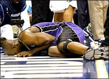 Webber after injuring his knee in Dallas