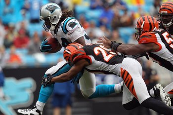 CHARLOTTE, NC - SEPTEMBER 26:  DeAngelo Williams #34 of the Carolina Panthers against the Cincinnati Bengals during their game at Bank of America Stadium on September 26, 2010 in Charlotte, North Carolina.  (Photo by Streeter Lecka/Getty Images)