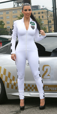 Kim-kardashian-white-butt-01_display_image