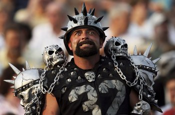 CANTON, OH - AUGUST 06:  A Raider fan gets ready before the Oakland Raiders take on the Philadelphia Eagles in the AFC-NFC Pro Football Hall of Fame Game at Fawcett Stadium on August 6, 2006 in Canton, Ohio.  (Photo by Doug Benc/Getty Images)