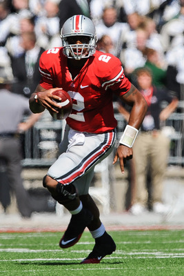 COLUMBUS, OH - SEPTEMBER 18:  Terrelle Pryor #2 of the Ohio State Buckeyes runs with the ball against the Ohio Bobcats at Ohio Stadium on September 18, 2010 in Columbus, Ohio.  (Photo by Jamie Sabau/Getty Images)