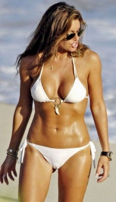 Rachel-uchitel-bikini-343x600_display_image