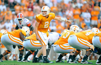 KNOXVILLE, TN - SEPTEMBER 18:  Quarterback Matt Simms #2 of the Tennessee Volunteers calls an audible against the Florida Gators  at Neyland Stadium on September 18, 2010 in Knoxville, Tennessee. Florida won 31-17.  (Photo by Grant Halverson/Getty Images)
