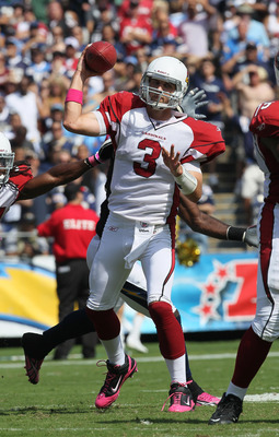 SAN DIEGO - OCTOBER 03:  Quarterback Derek Anderson #3 of the Arizona Cardinals sets to throw a pass against the San Diego Chargers at Qualcomm Stadium on October 3, 2010 in San Diego, California.  The Chargers won 41-10.  (Photo by Stephen Dunn/Getty Ima