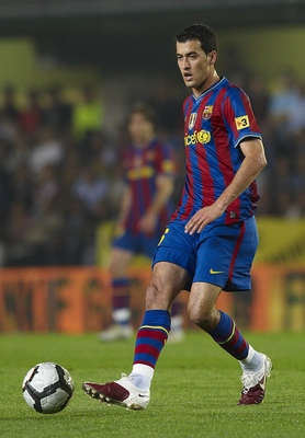 VILLARREAL, SPAIN - MAY 01:  Sergio Busquets of FC Barcelona in action during the La Liga match between Villarreal CF and FC Barcelona at El Madrigal stadium on May 1, 2010 in Villarreal, Spain.  (Photo by Manuel Queimadelos Alonso/Getty Images)