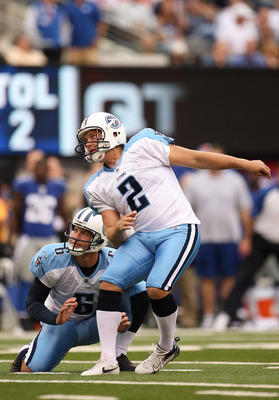 EAST RUTHERFORD, NJ - SEPTEMBER 26:  Rob Bironas #2  of the Tennessee Titans watches a field goal during a game against the New York Giants at New Meadowlands Stadium on September 26, 2010 in East Rutherford, New Jersey.  (Photo by Mike Ehrmann/Getty Imag